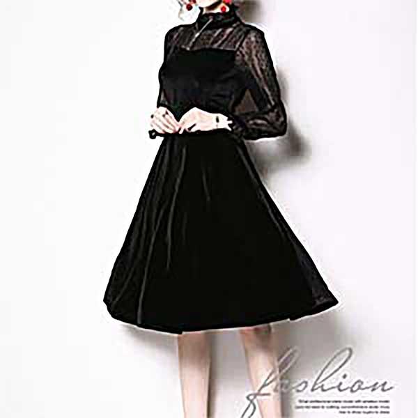 シースルーストライプが華やかさを添える大人可愛いブラックドレス  披露宴のお呼ばれ、パーティー、二次会、同窓会などにおすすめです。