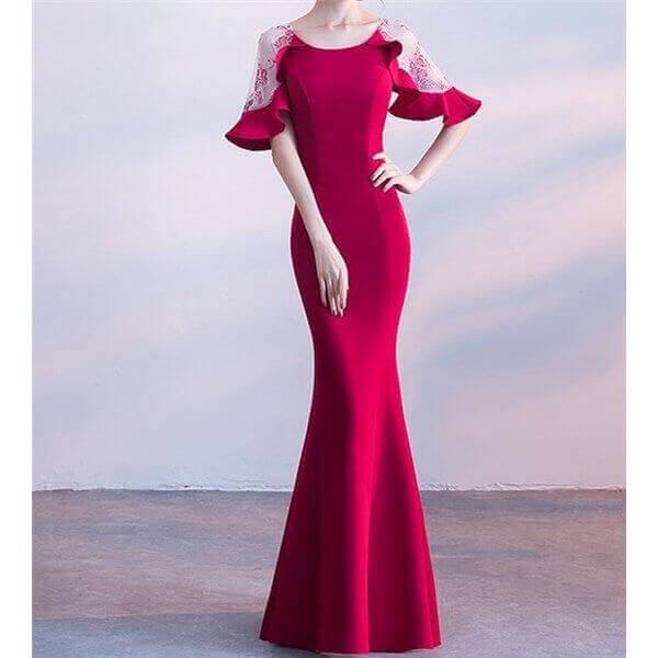 袖ありイブニングドレスの赤色