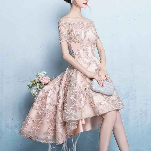 結婚式の服装マナーの記事へ