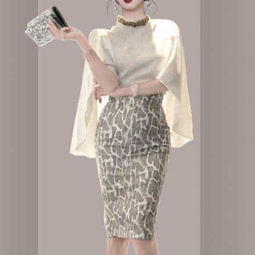 パイソン柄 エレガントなトップス ケープ袖の上品なタイトスカート セットアップ