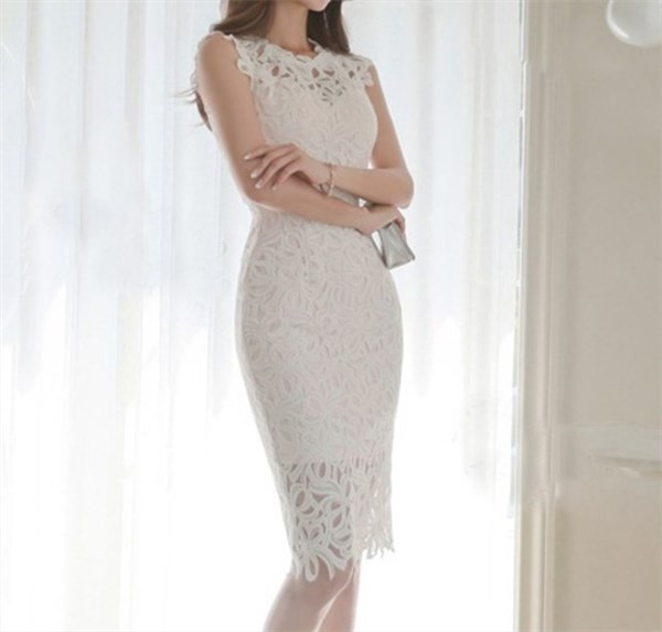 ホワイト総レースドレス