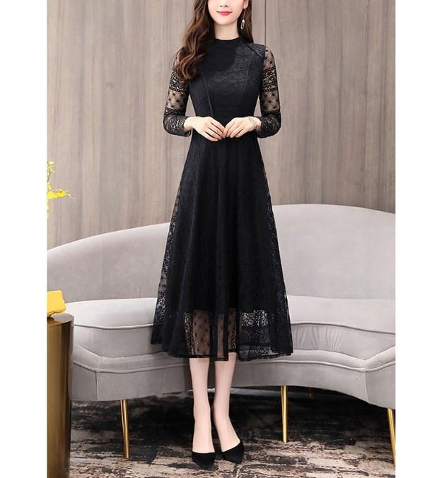 大人の素敵な装いができるブラック レース ドレス ワンピース ロング丈 ミモレ丈 マキシ丈です。
