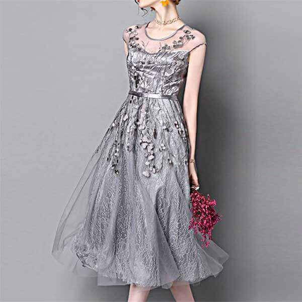 グレーレース刺繍ドレス