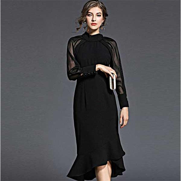 ハイネックとシースルー袖のドレス