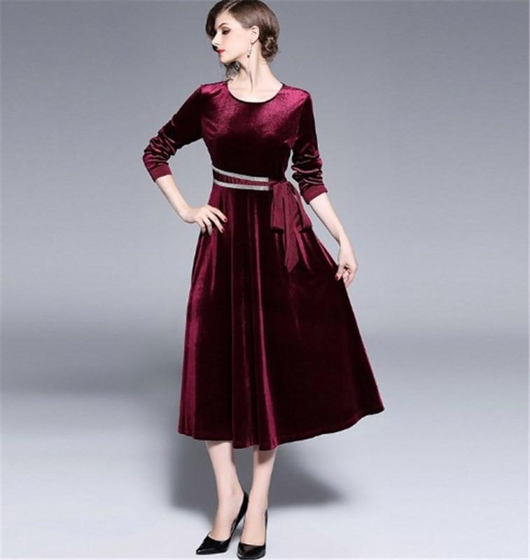 ワインレッドドレス