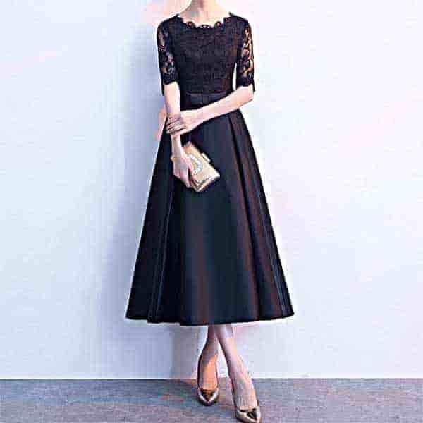 クラシカル Aラインのブラックドレス